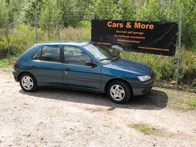 Peugeot 306 blauw 1